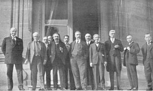 Supreme War Council - Meeting of Supreme War Council in August 1921; on the front, left to right: Lord Curzon, Lloyd George, Briand, Bonomi, Della Torretta, Harvey, baron Hagashi (?), viscount Ishii; on the second row, left to right: Camerlynck, Hankey, Berthelot, Loucheur