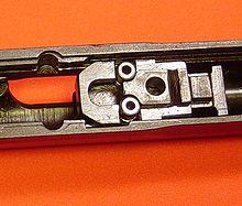 Гатлинга. принципе отвода пороховых газов.  2-на.  3-Схема. через отверстие в стенке ствола. пулемёт с вращающимся...