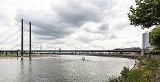 Düsseldorf, Rheinkniebrücke -- 2015 -- 8205.jpg