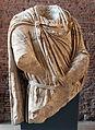 Dace in marmo pavonazzetto dal foro di traiano, attico dei portici della piazza, FT 6101.JPG