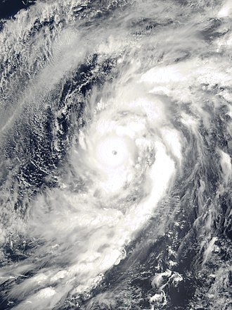 2000 Pacific typhoon season - Image: Damrey 2000 05 09 0145Z