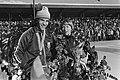 De kampioenen Eric Heiden en Sylvia Burka met lauwerkrans, Bestanddeelnr 929-0488.jpg