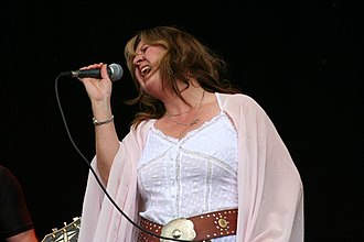 Deborah Bonham - Deborah Bonham at Fairport's Cropredy Convention 2006.