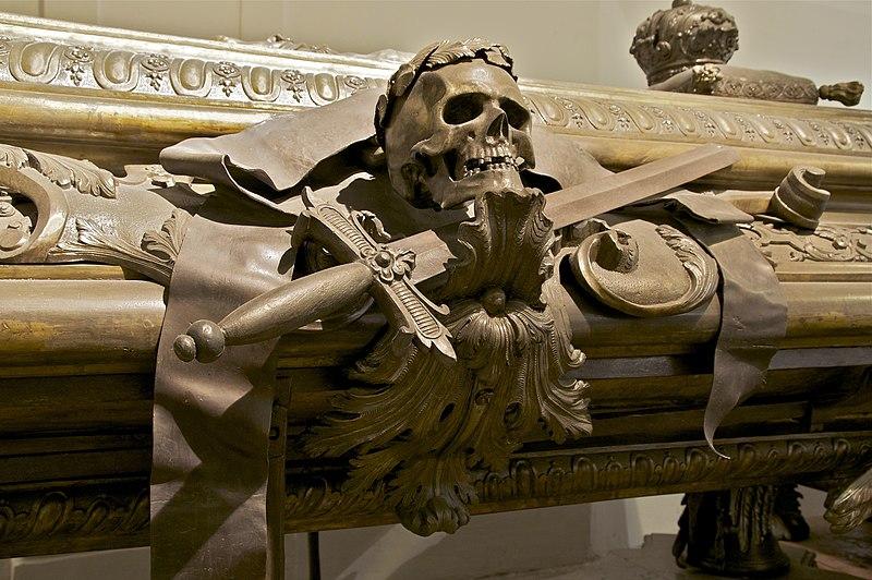 File:Detail sarcophagus Leopold I Kaisergruft Vienna.jpg