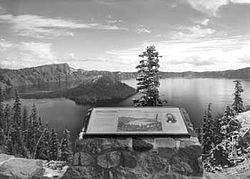 Discovery Point at Crater Lake, Oregon.jpg