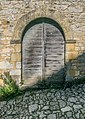 Door of a building in Beynac-et-Cazenac 02.jpg