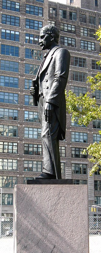 Juan Pablo Duarte - Statue of Duarte in Juan Pablo Duarte Square, New York City