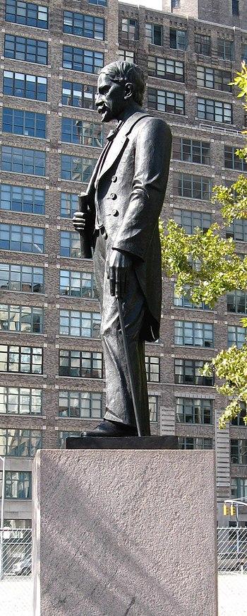 Duarte Sq statue jeh