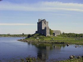 DunguaireCastle2005.jpg