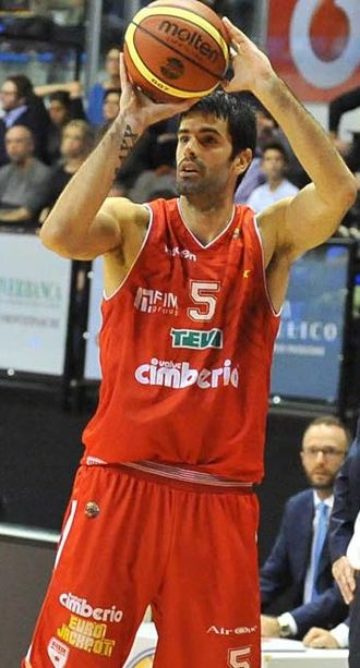 Dušan Šakota - Šakota, in action with Pallacanestro Varese, in 2012.