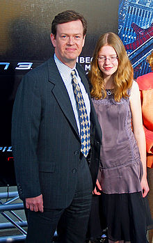 Dylan Baker and daughter by David Shankbone.jpg