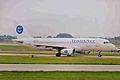 EI-TLH 2 A320-231 TransAer MAN 28JUN00 (5854455648).jpg
