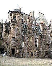Edinburgh - Edinburgh, Lawnmarket, Lady Stair's Close, Lady Stair's House - 20140421142648.jpg
