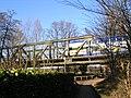 Eisenbahnbrücke mit Metronom (2008-01) - panoramio.jpg