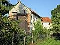 """Entwohnt, dem Verfall preisgegeben - Ehemaliges Sanatorium auf der """"Insel"""" (Rückseite mit Garten) - Eschwege Bremer Straße - panoramio.jpg"""