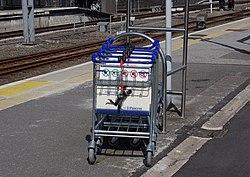 Euston station MMB A8.jpg
