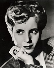 Eva Duarte by Annemarie Heinrich, 1944 (later Eva Péron).jpg