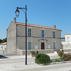 FR 17 Moragne - Mairie.JPG