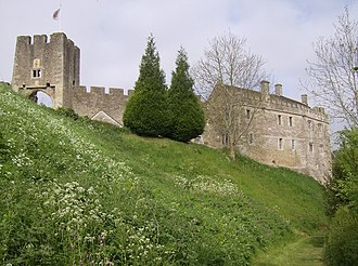 Farleigh Hungerford Castle - The castle from the south-east, showing the eastern gatehouse (l) and the priest's house (r)