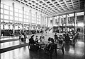Ferihegyi (ma Liszt Ferenc) repülőtér, várócsarnok. Fortepan 84663.jpg