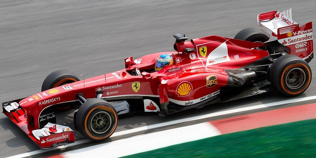 1024px-Fernando_Alonso_2013_Malaysia_FP1
