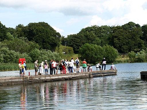 Ferry Queue. Lochleven Castle. (3795351551)