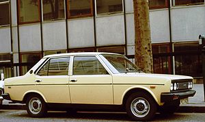 Fiat 131 - Image: Fiat 131 early one in England