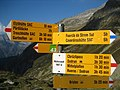 Fingerpost near Etzlihütte.jpg