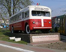 1:87 H0 Oberleitungsomnibus MTB 82D trolleybus 1946-1961 DDR UdSSR