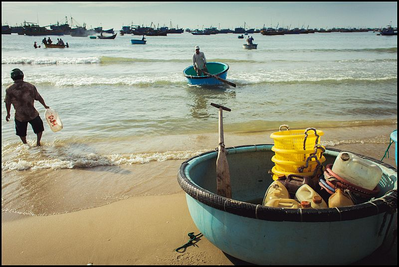 File:Fishing village (14429033158).jpg