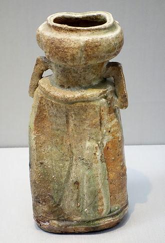 "Iga ware - Iga ware flower vase with ""ear"" lugs, 17th century, Edo period"