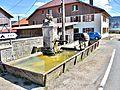 Fontaine-abreuvoir, au centre du village.jpg