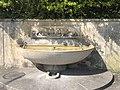 Fountain with Hund und Katze.jpg