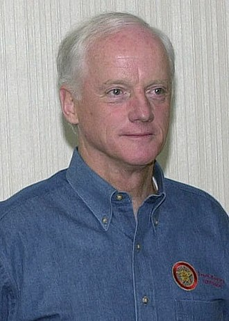 Oklahoma gubernatorial election, 1994 - Image: Frank Keating at a conference, Oct 20, 2001 cropped