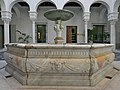 Fuente del Palacio de don Miguel de Mañara (Sevilla).jpg