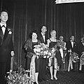 Gala premiere van de zaak MP in het Tuschinskitheater te Amsterdam, vlnr Jul, Bestanddeelnr 911-6342.jpg