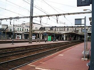 Versailles–Chantiers station - Image: Gare Versailles Chantiers