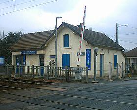 Gare de saint ouen l 39 aum ne quartier de l 39 glise wikip dia - Opievoy st ouen l aumone ...