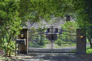 National Register of Historic Places listings in Virginia Beach, Virginia - Image: Gated Entrance to Briarwood