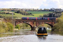 Gatehampton Bridge - fGWR 166211 and canal barge.JPG