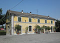 Gazzo-Pieve San Giacomo stazione ferr esterno.JPG