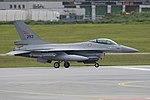 General Dynamics F-16AM '293' (31122686598).jpg