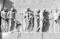 Georg Leisek-Relief 2.Tor Wiener Zentralfriedhof.jpg