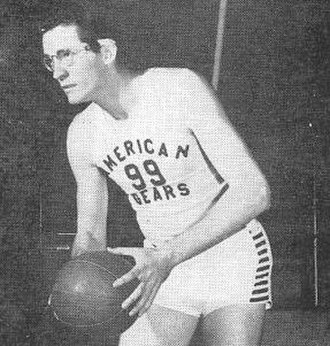 George Mikan - Mikan as member of the Chicago American Gears