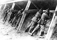 Niemieccy żołnierze na granicy z Belgią.