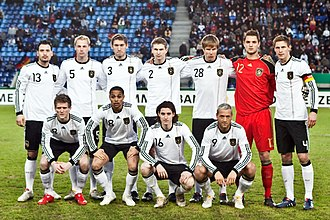 Holger Badstuber - Badstuber (number 28) with the Germany U-21 team in March 2010.