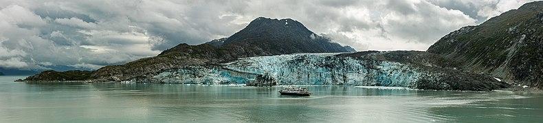 Glaciar Lamplugh, Parque Nacional Bahía del Glaciar, Alaska, Estados Unidos, 2017-08-19, DD 129-133 PAN.jpg
