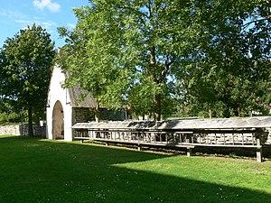 Bunge, Gotland - Image: Gotland Bunge kyrka Friedhofsmauer