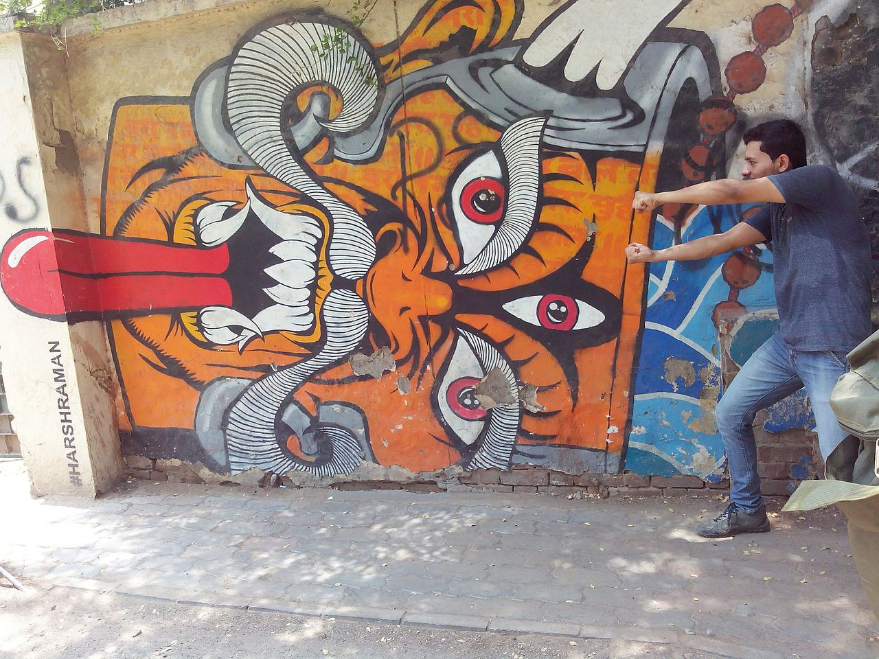 where to find delhi\u0027s best street arta mural at ugarsen ki baoli, new delhi © rishabhsanta wikimedia commons