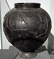 Grande pyxis in bucchero, da Marsiliana d'Albegna, banditella, circolo della fibula, 675-650 ac ca. 01.JPG